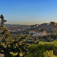 Вид с холма Филопаппу на Афины и Акрополь :: Владимир Брагилевский