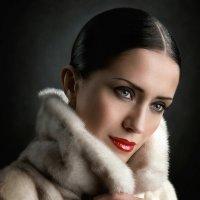Winter beauty...(Ольга...) :: Михаил Смирнов