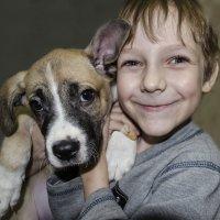 Мальчик с собакой :: Алексей Бродовой