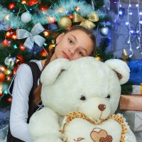 Девочка и мишка :: Tatsiana Latushko