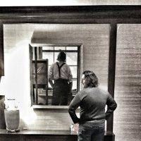 Взгляд из за спины. :: Ирина Крохмаль