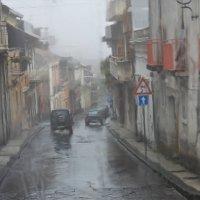 Дождь в итальянском городке на острове Сицилия :: Валерий Кишилов