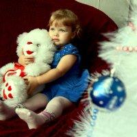 Девочка с мишкой :: Татьяна