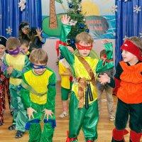 Один день из жизни детского садика - Новогодний утренник :: Дмитрий Конев