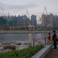 Вид на строящийся новый спальный район в Гонконге :: Sofia Rakitskaia