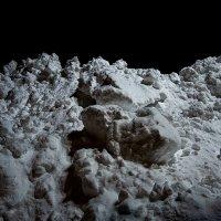 Снег порой напоминает лунные пейзажи. :: Виталий Павлов