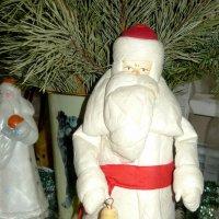 Встречаем Старый Новый Год со старым Дедом Морозом (игрушка прошлого века) :: Надежда
