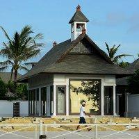Церковь вблизи пляжа :: Асылбек Айманов