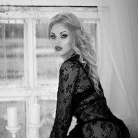 Вдруг как в сказке скрипнула дверь :: Елена Пахомычева