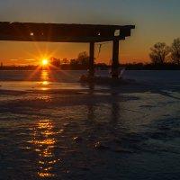 Зимнее закатное солнце :: Оксана Лада