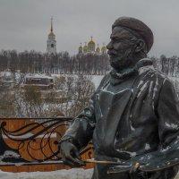Владимирский художник на смотровой площадке :: Сергей Цветков