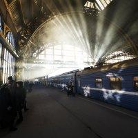 Витебский вокзал :: Максим Ноздрачев