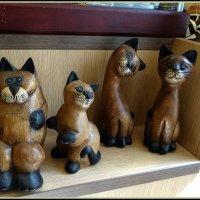 Коты-сувениры :: Вера