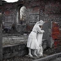 Печаль на развалинах :: Олег Дурнов