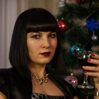 Девушка с бокалом вина :: Вячеслав Васильевич Болякин