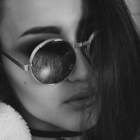 Стильная девушка :: Юля Трофименко