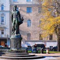Москва . Памятник Есенину. :: В и т а л и й .... Л а б з о'в