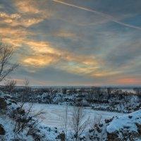 Замерзшее озеро :: Artem Zelenyuk