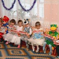 Самое главное - подарки. :: Евгений Кузнецов