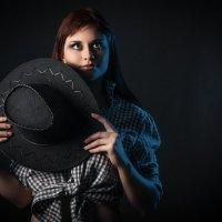 девушка с шляпой :: Дмитрий Головин