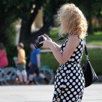 девушка и фотик :: Олег Лукьянов