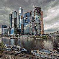 Мрачнее тучи. :: Виталий Авакян