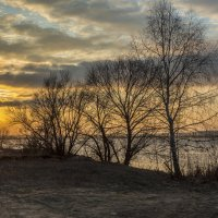 Холодный февраль в тёплых тонах :: Юрий Клишин