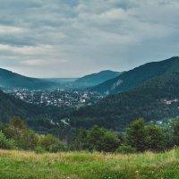 Панорамный вид на г. Яремче :: Виктория Бондаренко