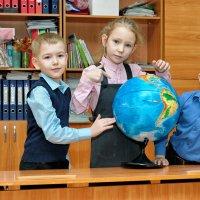 Школьные фотоальбомы, первый раз - в первый класс :: Дмитрий Конев