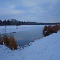"""Вечерний снег синей аквамарина,   Темнеет рано – около шести..."""" :: Galina Dzubina"""
