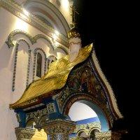 Вход в Храм... :: Дмитрий Петренко