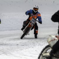 Газ до отказа - он непобедим! :: Yuri Chudnovetz