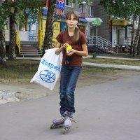 Я тоже  подрасту... и тоже  на роликах... :: Валерия  Полещикова