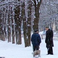 Зима... А снег лежит, как и тогда, белый-белый... :: Валентина ツ ღ✿ღ