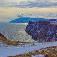 Восточный берег острова Ольхон :: Анатолий Иргл
