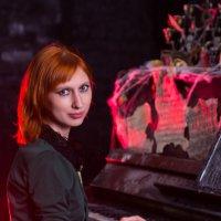 Девушка за фортепиано :: Valentina Zaytseva