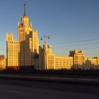 Высотка на Котельнической набережной :: Андрей Лукьянов