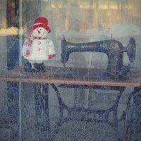 Новогодняя витрина в родном городе :: Николай Белавин