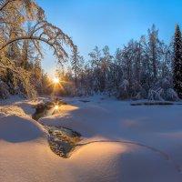 Замерзающая река :: Фёдор. Лашков