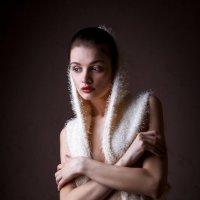 Девушка в полумраке :: Vadim Gunko