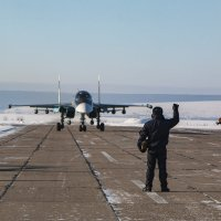 Зимний день на аэродроме :: Роман Скоморохов