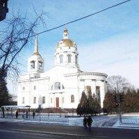 Вид из окна на храм Иоанна Кронштадтского :: татьяна