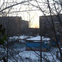 Вид из окна на закат :: Николай Холопов
