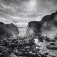 Солнечный луч сквозь облака седые :: Елена Данько