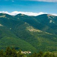 Зеленые горы. :: Владимир Лазарев
