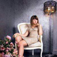 в кресле :: Александра Ломовцева