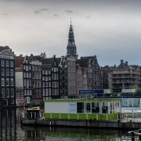 Причал для прогулочных катеров в Амстердаме :: Witalij Loewin