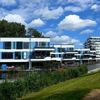 Парк в районе Вильгельмсбург (серия). Дом на воде :: Nina Yudicheva