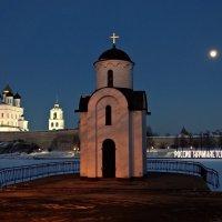 Луна над городом :: Fededuard Винтанюк