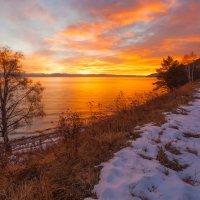 Вечерняя заря на Байкале :: Анатолий Иргл